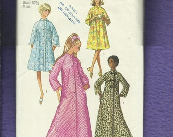 1970's Simplicity 9074 Retro Asian Inspired Flared Robe or House Coat Size 10