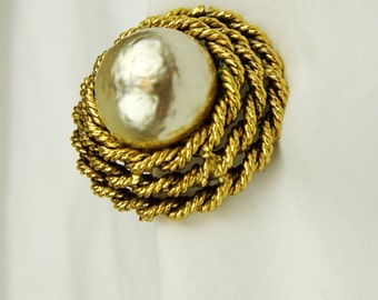 Vintage Faux Mother of Pearl Brooch Pin