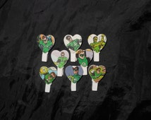 8x Green Lantern Wooden Mini Ivory Pegs Heart Shaped Placecard Holders
