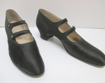 1920s Vintage Evening Shoes, Flapper Shoes, 5.5 a size,  Great for collectors, designers, Black 1920s shoes