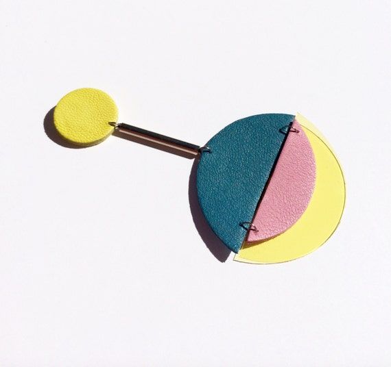 Sputnik leather and plastic earrings in blue, yellow and pink