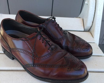Burgundy Dexter Perforated Leather Wingtip Men's Dress Shoes size 9 1/2 W