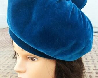 Vintage hat, blue hat, blue beret, vintage beret, mid century hat, vintage velvet, velvet hat, blue velvet hat, velvet beret, Rivera hat