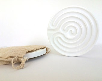 Finger Labyrinth to Pray Focus Meditate or Relax