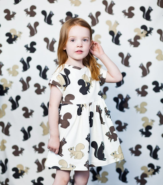 Squirrel baby and kid dress. 100% organic cotton (GOTS). 12-18m / 2T / 3T / 4T