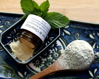 Pure| Bentonite Clay Tooth Powder in Amber Jar; Naturally Brighten+Polish Teeth, Maintain Oral Health, Fluoride+Chemical-Free Dry Oral Care