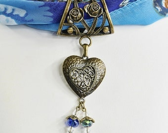 Scarf Jewellery Slider Pendant - Filigree Heart Scarf Ring - Crystal Beaded - Scarf Slider Pendant - Scarf Accessory - Antique Bronze