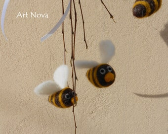 Bees mobile, Needle felted bees, DIY bees, DIY mobile, DIY kit bees, Diy baby mobile, Diy wreath, Diy craft bees