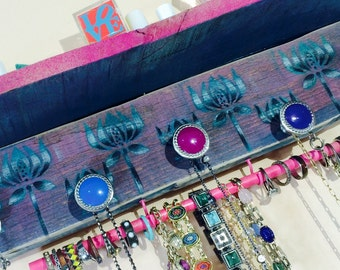 Floating pallet wood accent shelf /necklace holder /jewelry wall shelving storage shelves organizer Art Deco 5 knobs 2 hooks bracelet bar