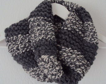 Tube scarf, loop, in Light grey and white
