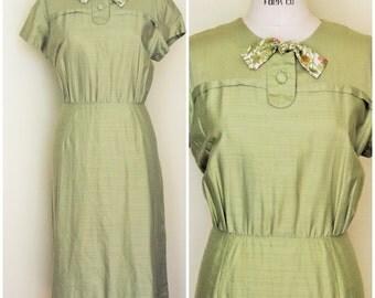 Vintage 1960s Green Dress / 60s Green Silk Dress With Belt / Penelope's Honolulu / Vintage Summer Dress / 60s Plus Size / Bow Tie