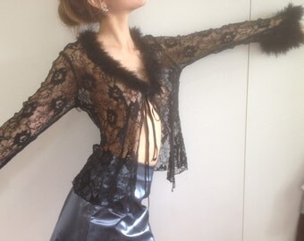 Fluffy lace top // feather and lace black
