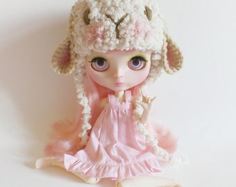Puffy Sheep  helmet hat for  blythe.
