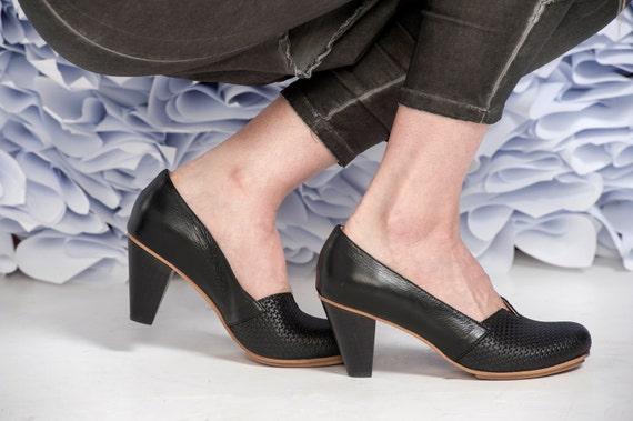 Black Leather Shoes / Women Shoes / High Heels Shoes / Wooden Heels Shoes / Elegant Shoes / Evening Shoes / Designers Shoes - Audrey