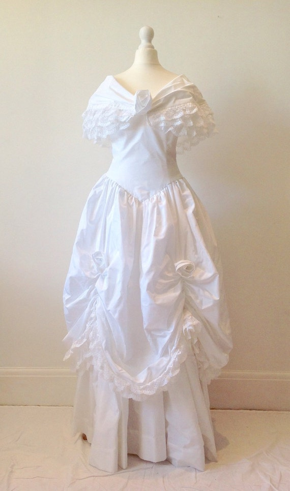 Vintage 70s 1970s wedding dress white taffeta lace by for How to clean your own wedding dress