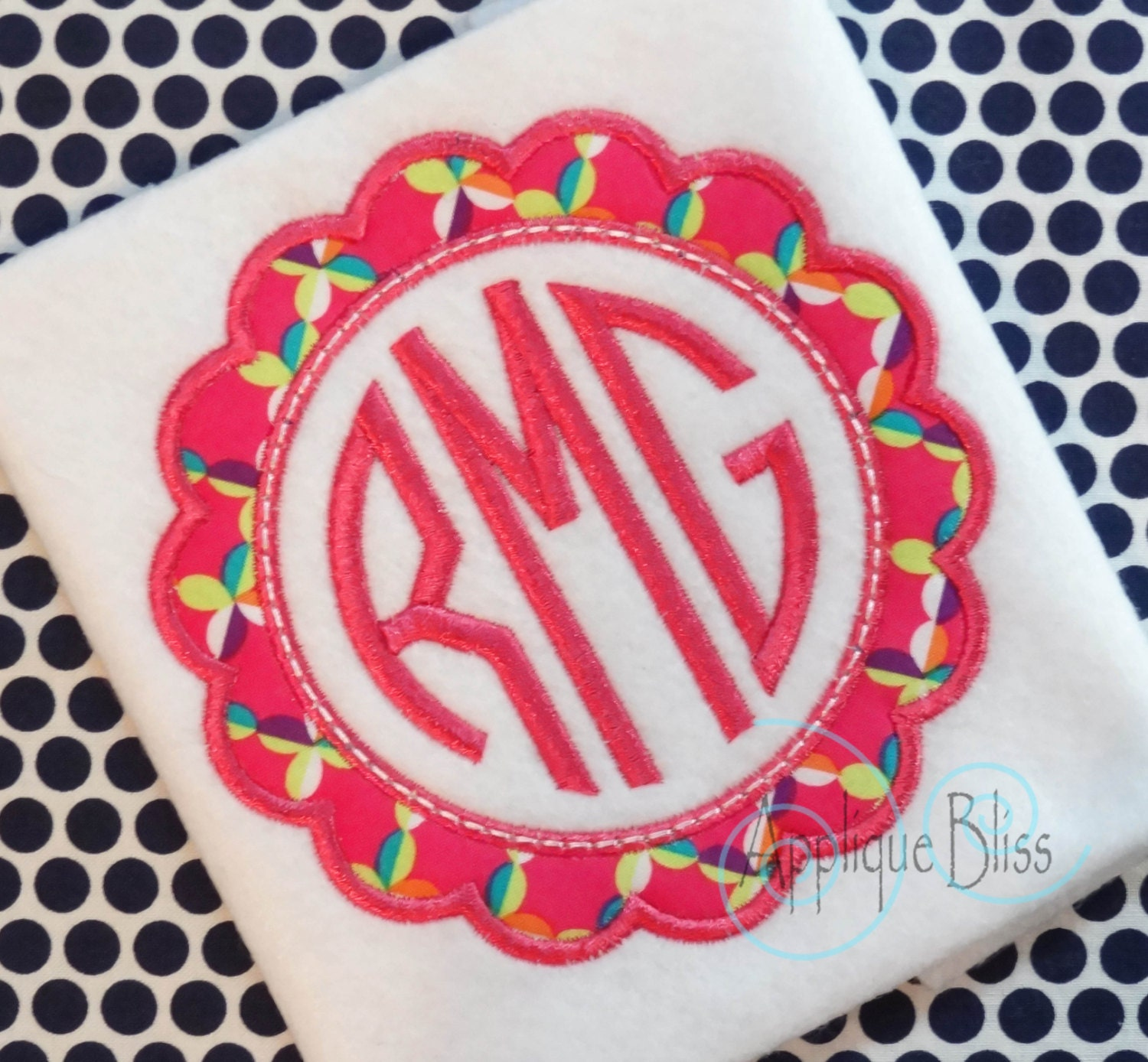 scalloped applique frame digital design cirle monogram