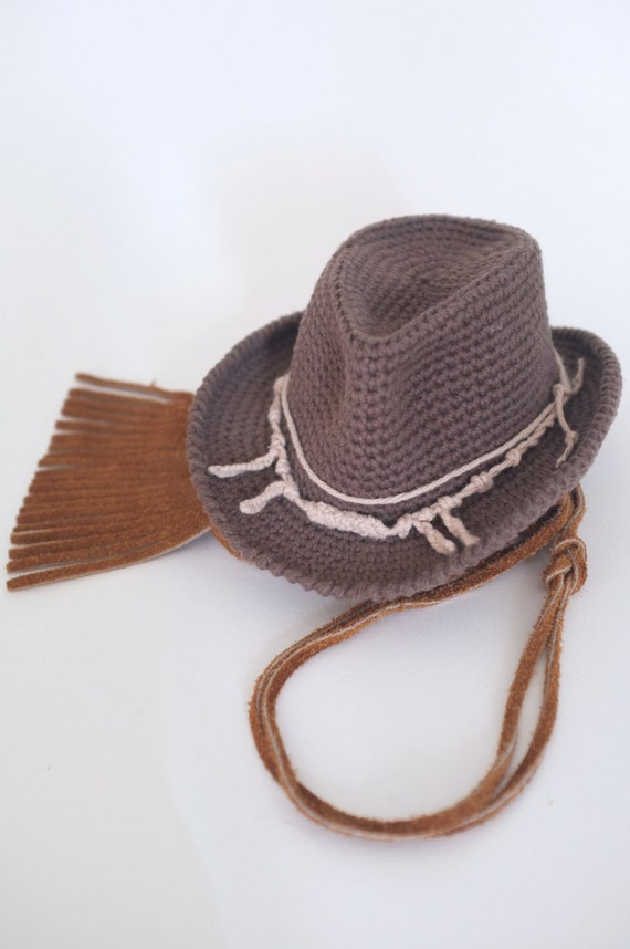 Wild Cowboy western wear, cowboy boots, cowboy hats, scully mens western shirts and matching western shirts for men women and kids. Straw cowboy hats and hat bands, cowboy chaps,horse saddle bags,horse fly mask uv, retro western shirts, western gloves, dusters.