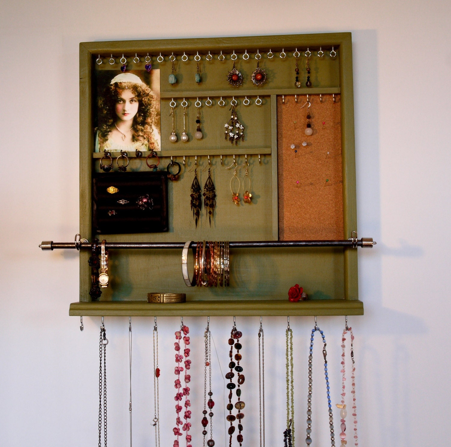 jewelry organizer wall mounted box earrings display jewelry. Black Bedroom Furniture Sets. Home Design Ideas