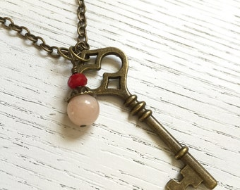 Vintage Key Necklace, Brass Key Necklace, Charm Key Necklace, Boho Key Necklace, Vintage Key Necklace,Antique Key Necklace, Key Charm