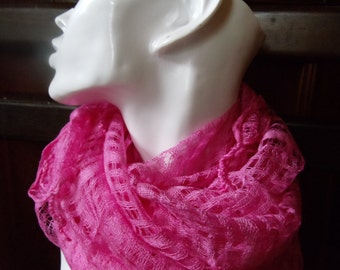 Cotton scarf hand-woven and dyed pink