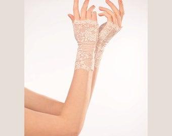 Bridal gloves- Wedding Lace Gloves- Lace Wedding Gloves-  White wedding gloves- White Lace Gloves- bridal cuff #204