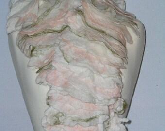 Elegant shawl-collar, BOA, ruffle scarf, Merino Wool