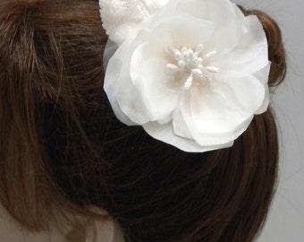 Floral Bridal Hair Fascinator, Off white, Ivory Headpiece, Bridal Hair comb,Vintage Flower Bridal Comb-STELLA