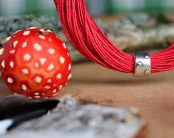 Red Polka Dot Linen Bracelet / Mushroom Bracelet / Red Bracelet / Retro Scarlet Carmine / Fiber Bracelet / Toadstool