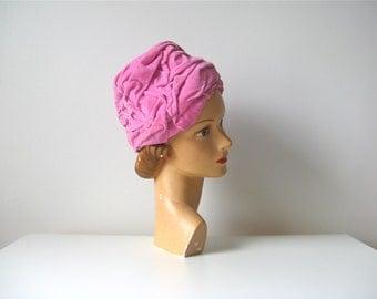 vintage 1960s turban hat / pink vevlet 60s hat