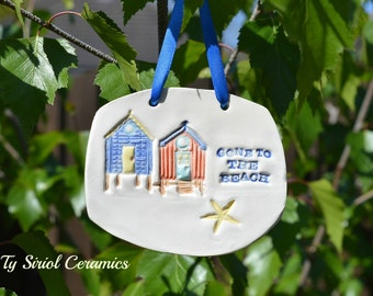 Ceramic wall hanging, 'Gone to the beach'