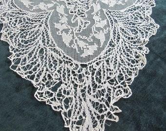 antique lace collar, large, ecru color