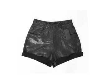 BLACK LEATHER SHORTS / genuine leather / real leather / high waist / black shorts / leather shorts / lined