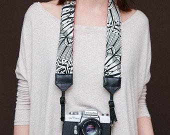 Norah's strap - Red - Comfy padded camera strap - DSLR