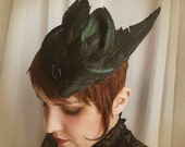 Dark fascinator hat black bird wing 1950s feathers w/ black Venetian lace and vintage button ~ Nightlife ~ Art Deco ~ 20's flapper