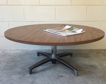 Mid century modern - Vintage 1960's Chromcraft retro coffee table