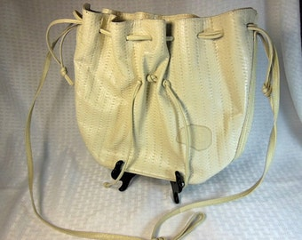 BEAUTIFUL 1980 Vintage Carlos Falchi Off White Leather Cross Body Draw String Bucket Purse. Excellent Condition!