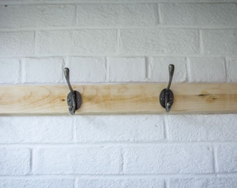 Rustic Coat Rack made from reclaimed Pallet Wood with 4 Hooks