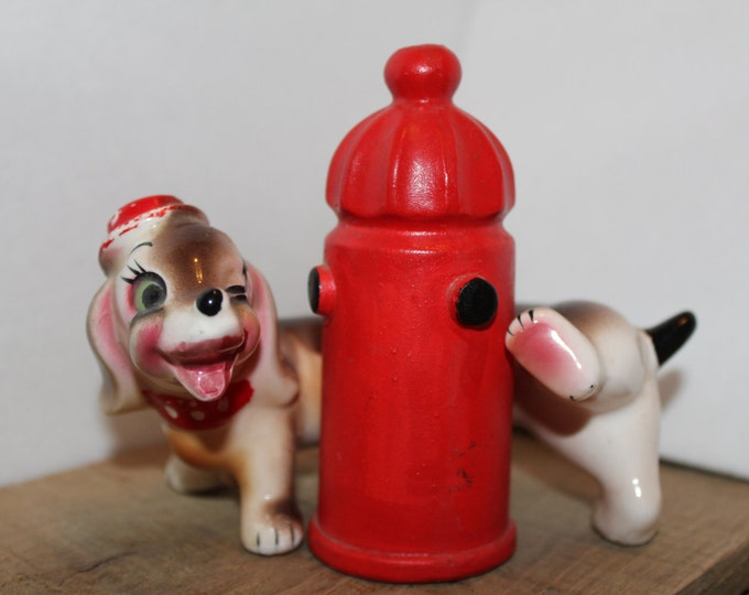 Salt and Pepper Shaker Set Artmark Dog Peeing on Hydrant