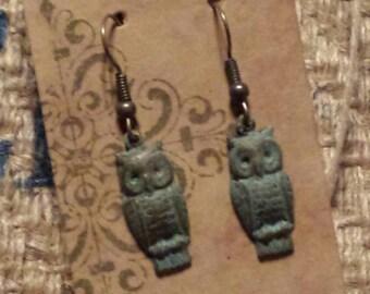 Antique look owl earrings
