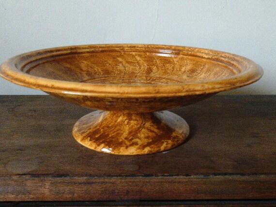 Footed metal bowl vinegar painted in ocher