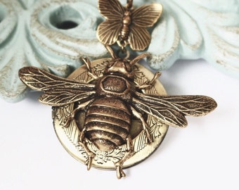 Locket Necklace - Bee Necklace - Vintage Brass Jewelry - Bee Locket - Large Locket - handmade jewelry Only By LuckySteamWorld