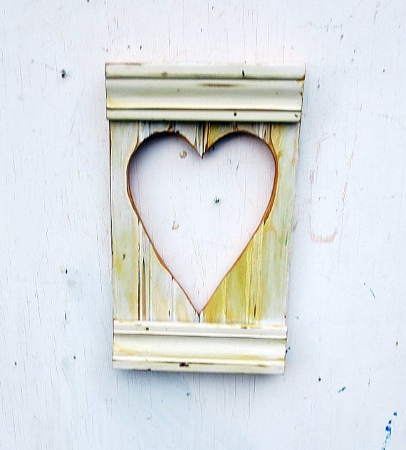 Wood wall heart salvaged wood heart rustic wall decor for Wooden heart wall decor