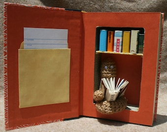 Bookworm Library