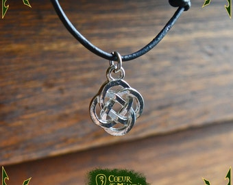 Necklace celtic pendant