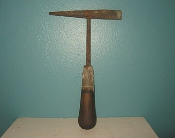 Short Handled Pick Type Tool, Old Rusty Tool, Hand Tool, Vintage Tool