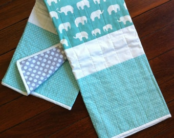 White Elephants on Pool Fabric with White Stars on Pool Panels Quilt