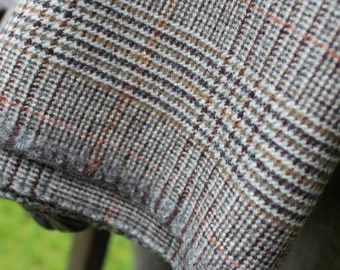 Finest British Checked Tweed. Vintage 'West of England'. Made in Great Britain. 105cm x 135cm