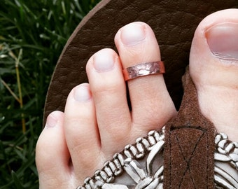 Adjustable Toe Ring, copper, aluminum, jewelry for feet, hammered ring