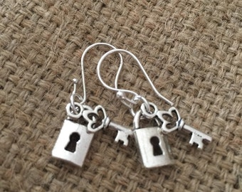 SILVER EARINGS 925 - Lock-n-Key