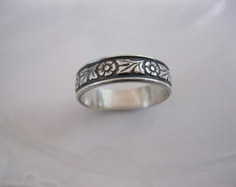 Antique Sterling Repousse Wedding Band Sz 9 5mm Acanthus Leaves Rosettes